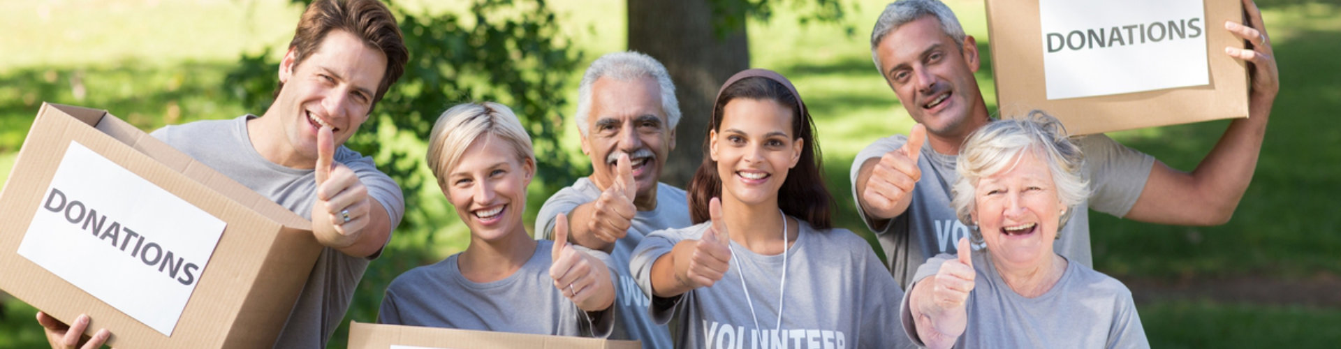 group of volunteer smiling